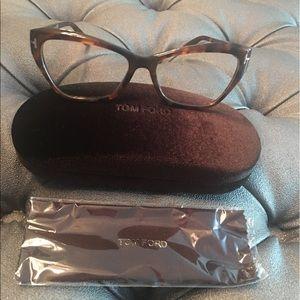 Tom Ford Accessories - Tom Ford Havana cat eye frames 🤓