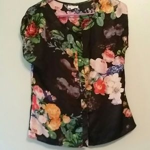 Tulle Tops - Gorgeous black floral top