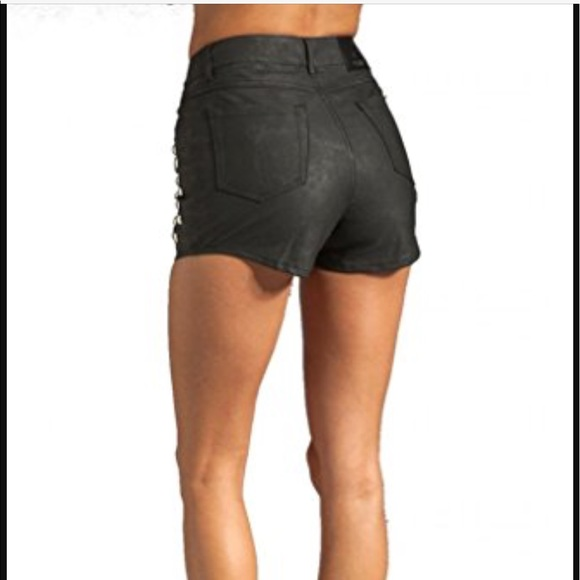 High-rise is on the rise! Enjoy the High-Waisted Trend with a wide selection of high-waisted shorts, skirts, and pants! Cute styles at unbelievable prices! x. Free Shipping Over $50 & Free Returns! See Details. Free Shipping Over $50 & Free Returns! See Details. Free .