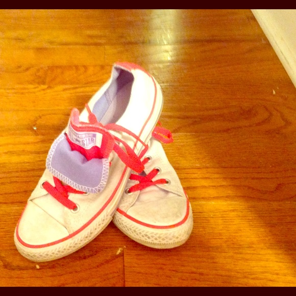 Girls white converse with neon pink laces size 2 4145b7096