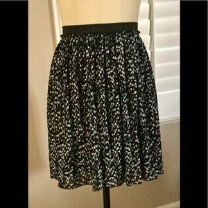 torrid Dresses & Skirts - New Black Heart Chiffon Pleated Skirt By Torrid