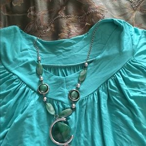 Tops - New xl gypsy tunic v neck top & necklace