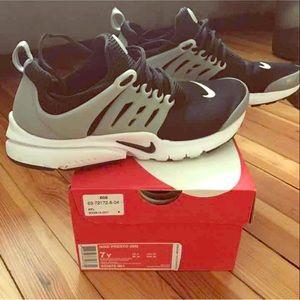 Nike Shoes - Nike PRESTO👟