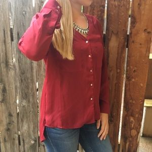 🌵BOGO🌵Maroon button up high low blouse