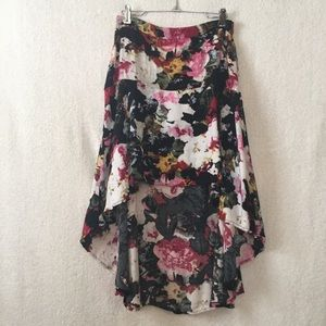 Urban Outfitters Dresses & Skirts - Kimchi Blue Black Pink White Floral Hi-low Skirt