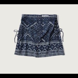 Abercrombie & Fitch Dresses & Skirts - Abercrombie & Fitch A-line skirt!