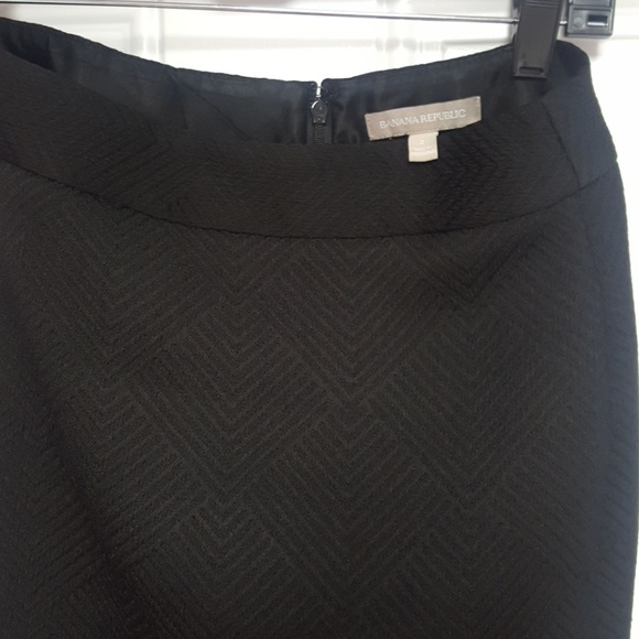 a7d20239b89341 Banana Republic Dresses   Skirts - Black textured Banana Republic skirt