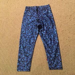 Zara Terez Pants - Zara Terez Blueberry Print Workout Capri leggings