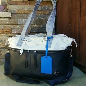 "lululemon athletica Handbags - Lululemon Athletica ""Take Me With You"" travel bag."