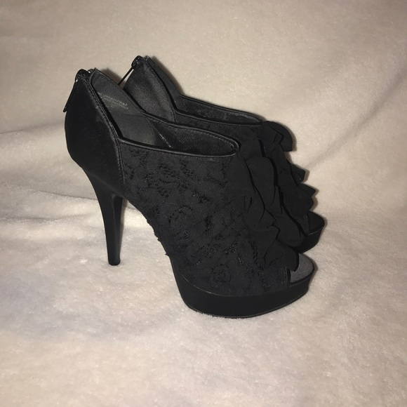 73cbb01d3abb Kardashian Kollection Shoes - Black Kardashian Kollection lace bootie heels  sz 8