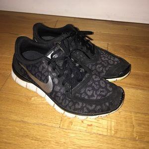 Nike Shoes - Black Nike Free
