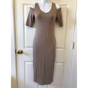 ALLOY Dresses & Skirts - NWOT Alloy Cold Shoulder Style Body Con Midi