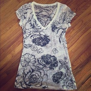 Tops - Sexy Burn out tee Sz. L