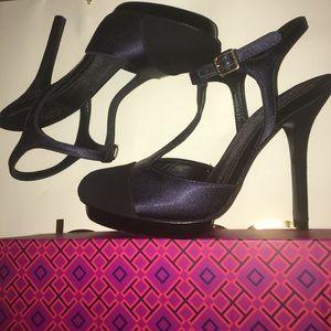 🎁TORY BURCH satin/suede heels