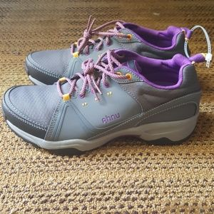 Ahnu Shoes - Ahnu Women's Alamere Low Hiking Shoe Size 9.5