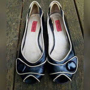 Miz Mooz Shoes - Adorable, MIZ MOOZ, button wedges!!!