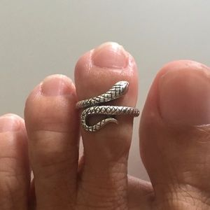 Jewelry - Sterling Silver Snake Toe Ring