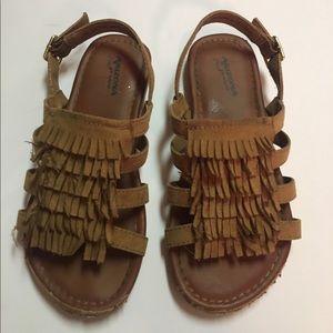Arizona Jean Company Other - Arizona fringe sandals