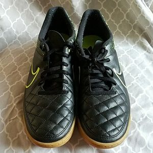 Nike Other - nike tempo indoor soccer shoes