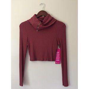A+ Ellen Sweaters - Loose Turtleneck Crop Top