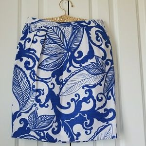 Attention Blue/White Leaf Pattern Pencil Skirt