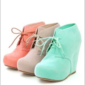 Glaze Shoes - MINT ONLY glaze bootie wedge
