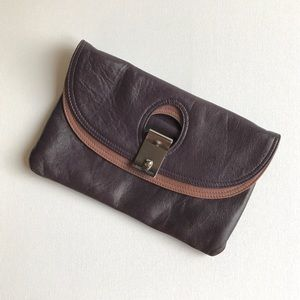 Marc Jacobs Eugenie Leather Clutch F08