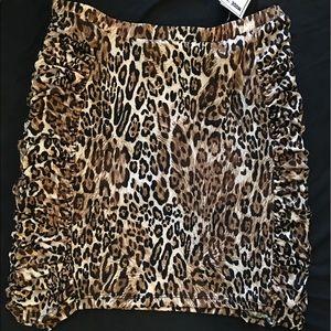 Dresses & Skirts - Leopard skirt