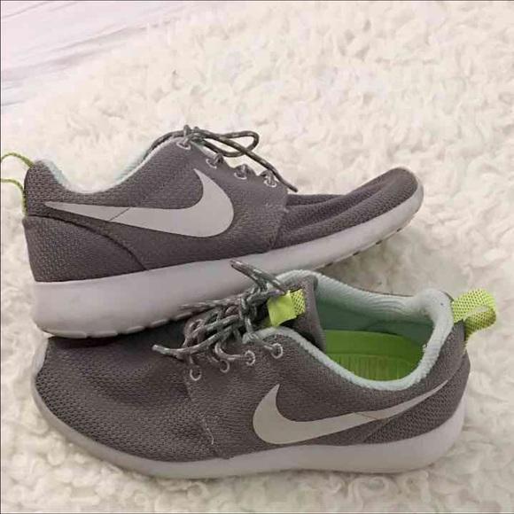 Nike roshes women