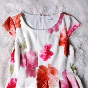 CALVIN KLEIN pink floral cap sleeve flair dress