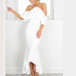 Dresses & Skirts - 🆕Gorgeous white  flounce open shoulder gown