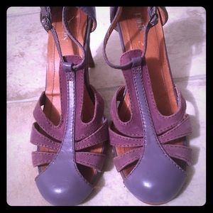Shoes - Vintage Purple Heels w Ankle Strap
