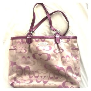 Coach Handbags - Awesome authentic Coach bag