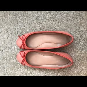 Size 7. Banana Republic flats.