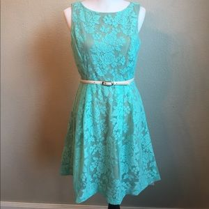 Ava & Aiden Dresses & Skirts - Gorgeous lace floral summer dress.