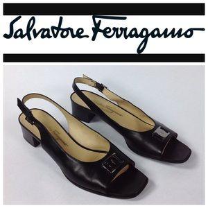 Salvatore Ferragamo Shoes - SALVATORE FERRAGAMO Black Leather Size 11 Sandals