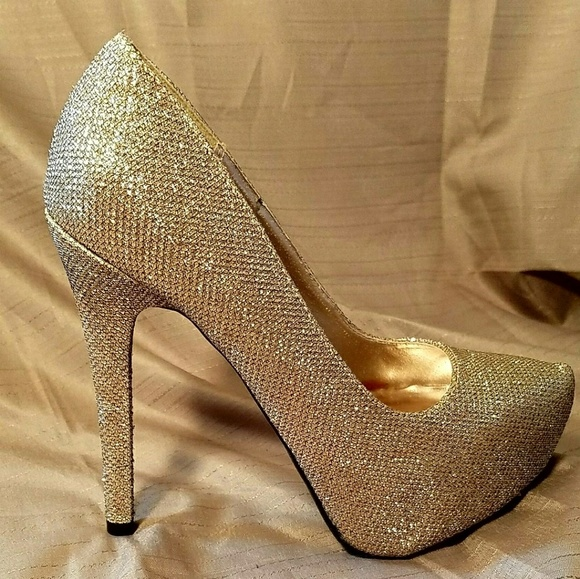 e4011d15bc53 Charlotte Russe Shoes - Charlotte Russe Glitter Gold Heels
