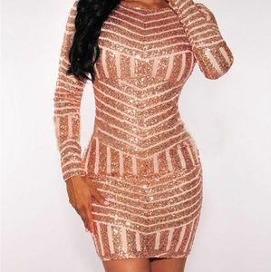 Dresses & Skirts - Gold Backless Sequins Dress