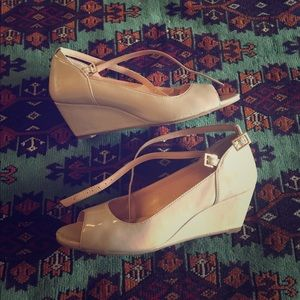 Sole Society Shoes - Sole society nude peep toe wedges