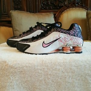 Nike Shoes - Nike Shox