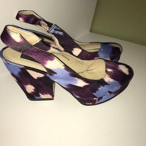Deena & Ozzy Shoes - Floral Deena & Ozzy sz 7 pumps, NWT