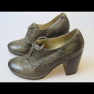 Frye Shoes - Frye Carson Heel Oxford Distressed Grey size 7.5