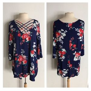 Tops - (Plus) Floral top