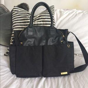 Skip Hop Handbags - Skip Hop Chelsea Chic diaper bag