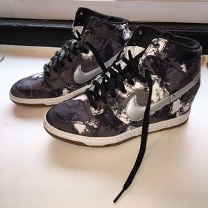 Nike Sky High Dunks