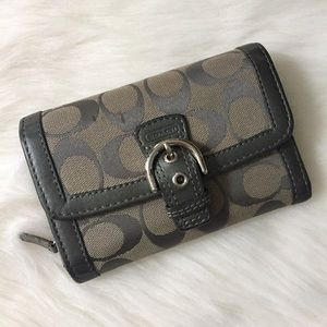 Coach Handbags - Coach Signature Logo Wallet