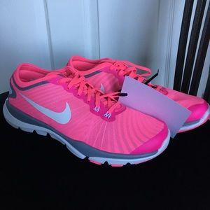 Nike Shoes - NEW NIKE FLEX SUPREME TR 4 PINK, Size: 8.5!!!