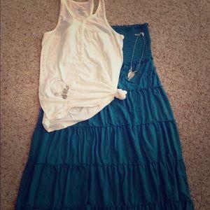 Old Navy Dresses & Skirts - Boho maternity peasant skirt