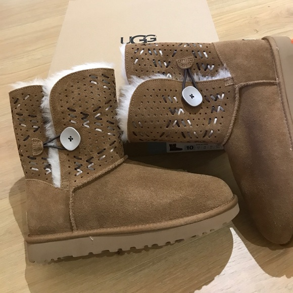 1e8eef15684 Ugg Bailey button tehuano boots sizes 10, 11 new Boutique