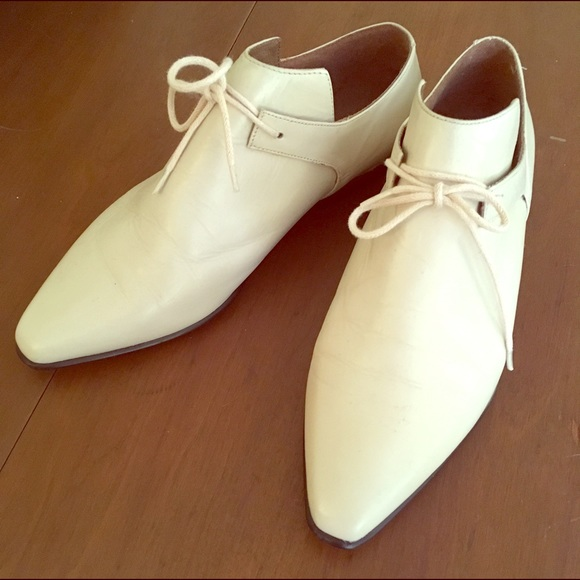 bf17268f10a4 Vintage 90s Esprit Ivory Booties